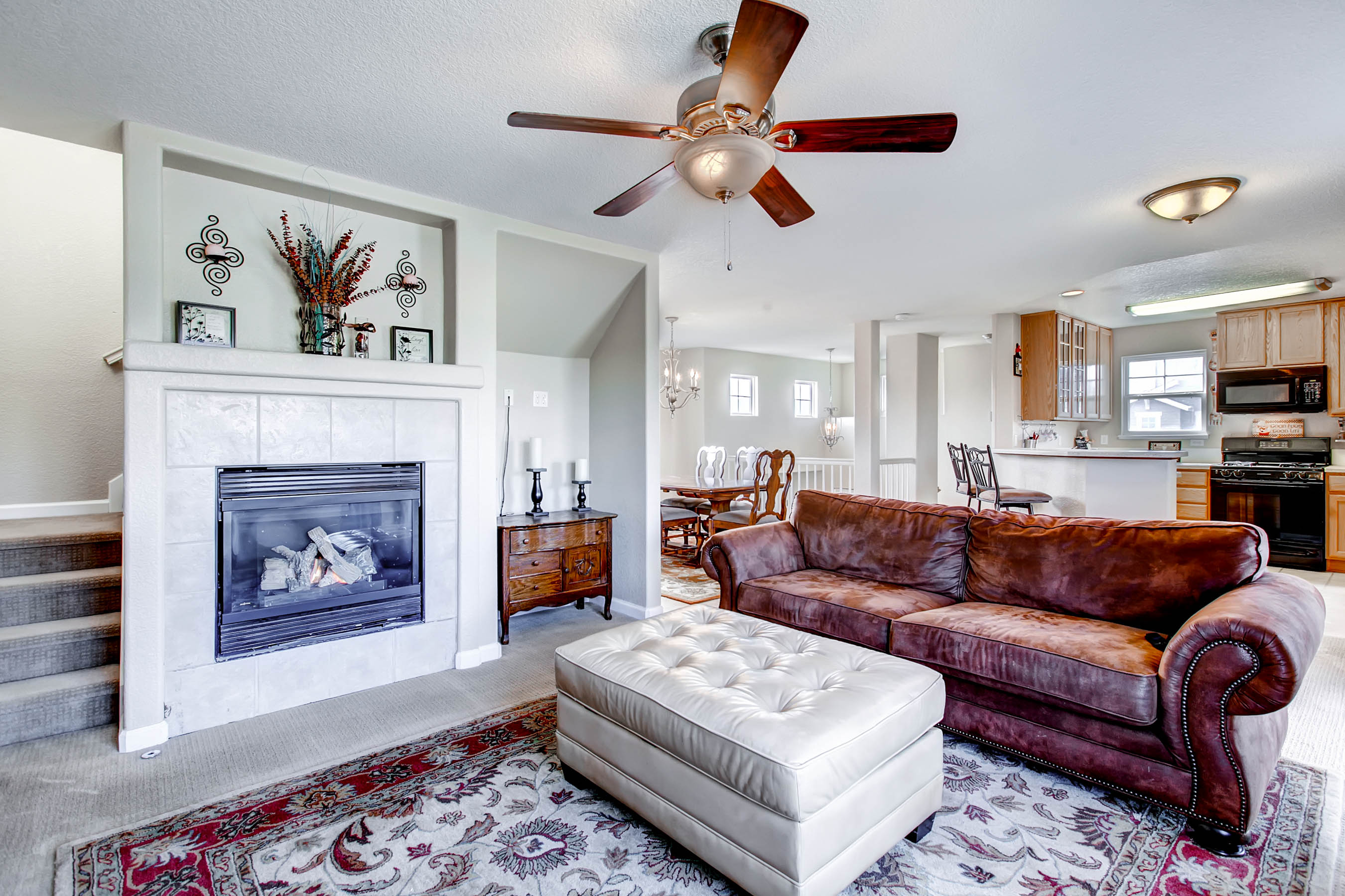 Fantastic end unit townhouse in Ridgeview Eagle Bend